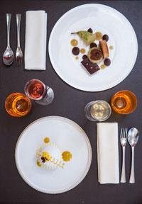 restaurant-gastronomique-le-sixieme-sens-rouen-6-6eme-vieux-marche-gueret-1880-27-dessus-poire-chocolat-citron-mangue-passion-200x288
