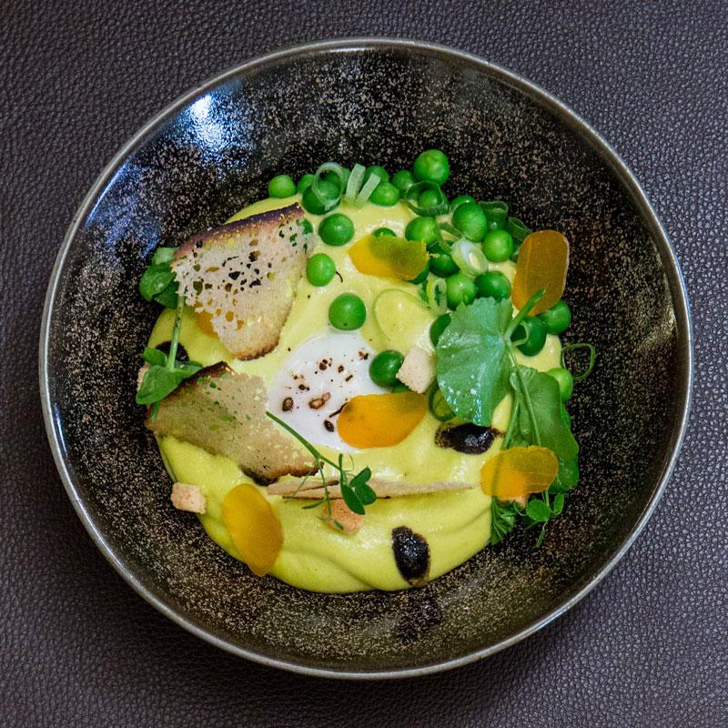 restaurant-gastronomique-le-sixieme-sens-rouen-6-6eme-vieux-marche-gueret-1880-6-oeuf-parfait-petit-pois-800x800