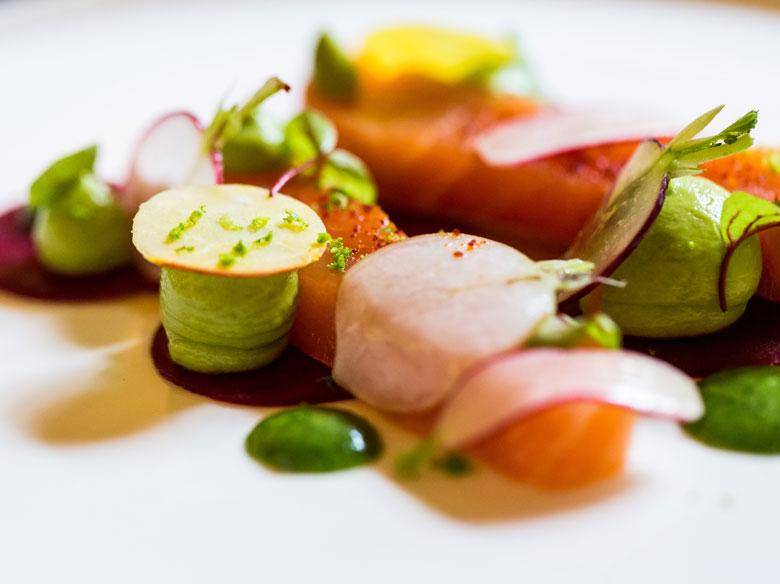 restaurant-gastronomique-le-sixieme-sens-rouen-6-6eme-vieux-marche-gueret-1880-8-saumon-hover-780x584