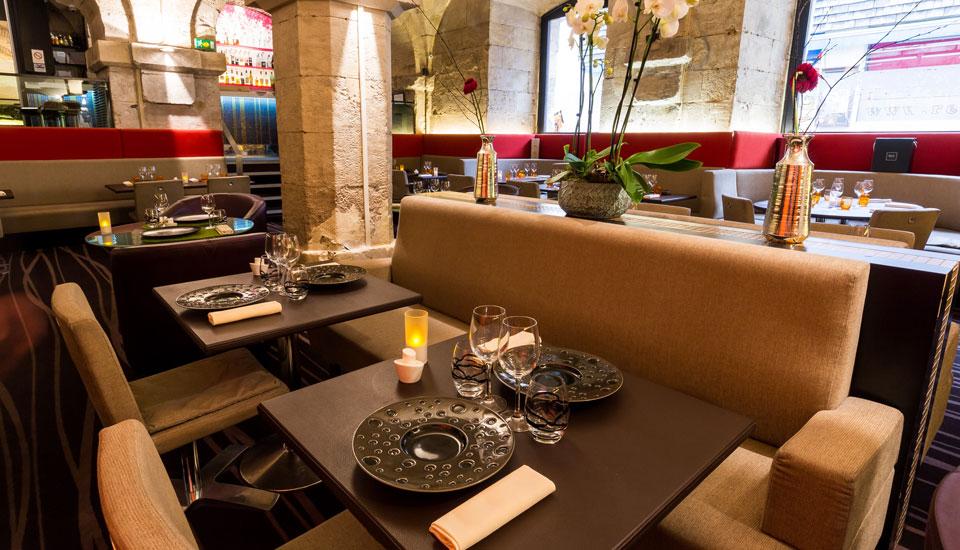 restaurant-gastronomique-le-sixieme-sens-rouen-6-6eme-vieux-marche-gueret-1880-14-restaurant-cuir-960x550