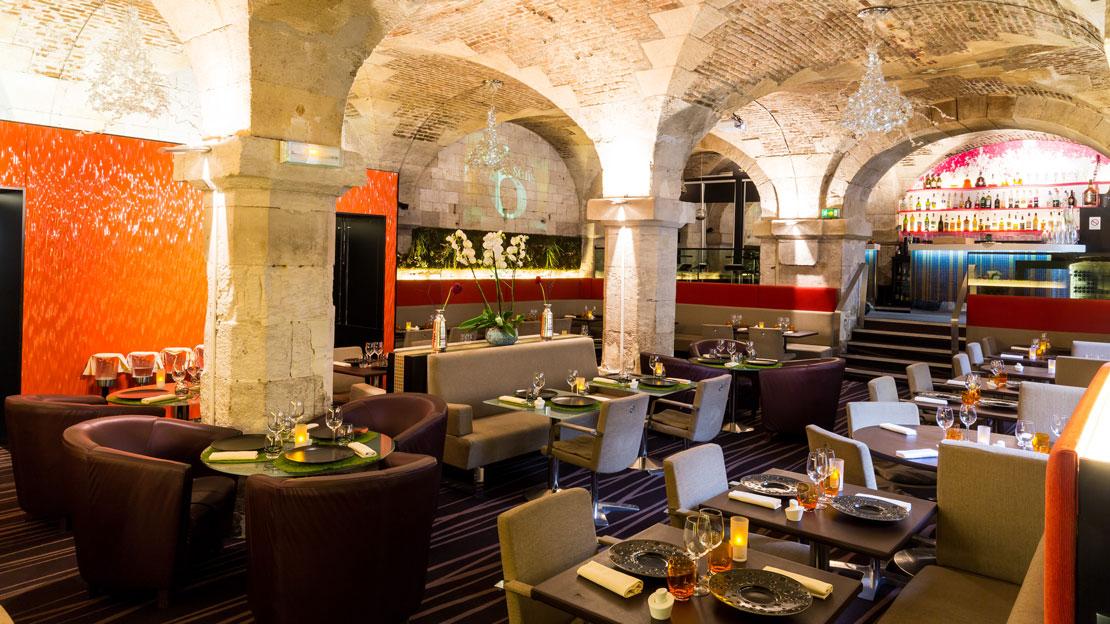restaurant-gastronomique-le-sixieme-sens-rouen-6-6eme-vieux-marche-gueret-1880-18-restaurant-salle-1110x624